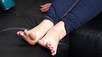 Feet Nail Polish with Mary Rider