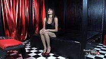 Nina ist eine geile Sekretärin und will ins Pornogeschäft - SPM Nina27 IV01