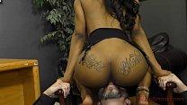 Ebony Secretary Makes Her Boss Lick Her Asshole - Femdom Vorschaubild