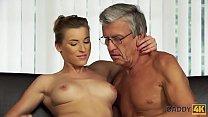 DADDY4K. Sex mit seinem Vater nach dem Swimming...