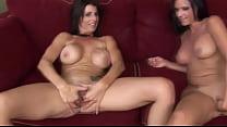 Русское порно мама и дочка со страпоном