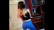 Pendeja moviendo el orto (bailando candy perreo)