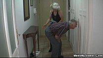 Баба ссыт большой струёй смотреть видео
