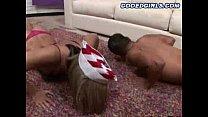 Шпильки петух делает сексуальная медсестра сперма