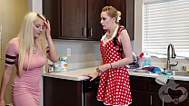 Mother helps her Daughter Move on from Ex - Rea...