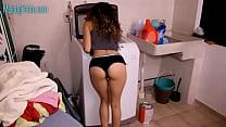 Lavando A Mano / Hand Washing