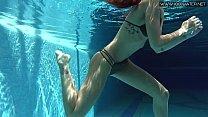 Tiffany Tatum strips naked underwater Vorschaubild