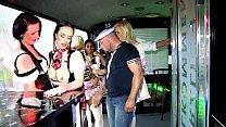 Gundula Pervers im Bus gefickt Vorschaubild