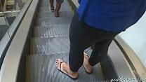 Goddess Grazi perfect feet in flip flops
