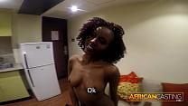 Petite African Amateur Model Casting Vorschaubild