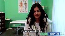 หมอตรวจภายในกล้ามโตควยน่าอม xxxคนไข้สาวเห็นแล้วหีขมิบเล่นเซ็กในห้องตรวจ