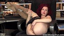 USA milf Veronica feels naughty in nylon pantyhose