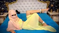 Webcam Arab hijab tease sexy feet thumbnail
