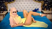 Webcam Arab hijab tease sexy feet Preview