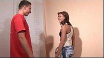 Geile Hausfrau bläst ihren Typen