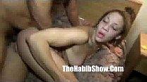 Рука девки в сперме