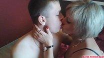 Jeune homme se tape une mature - baise-femme.com