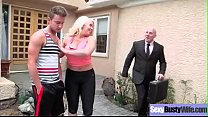 (Alura Jenson) Sluty Housewife With Big Round Tits On Sex Tape clip-03 video