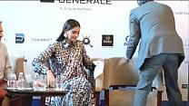 Sonam Kapoor Boobies Exposed, Wardrobe Malfunction Video !! HD [방송사고 broadcast accident]