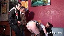 Jeune brunette francaise grave prise en double penetration dans 1 club libertin صورة