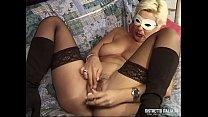 Alessandra è una gran porca e le piacciono tanti cazzi di diverse lunghezze - Download mp4 XXX porn videos