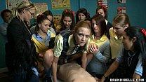 นักรักตั้งชมรม Sex จับชายหนุ่มมาแล้วให้นักเรียนสาวโม็กควยแล้วจับเย็ดโชว์