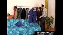 Casalinga si fa inculare dal marito tornato dal... thumb