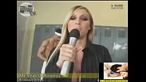 Repórter Trocou o Microfone Pelo Pau