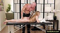 Stepfather and daughter accidental sex massage Vorschaubild