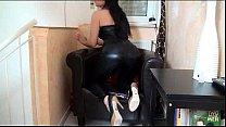 Blowjob Sexy Girl In Black Shiny Spandex Leggings