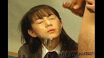 คลิปสาวนักเรียนญี่ปุ่นโดนรุมชักว่าวใสหน้า