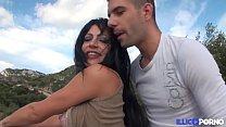 La Bombe Sexuelle Lola Chance Baise En Club Libertin. [Full Video]