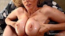 Busty MILF Julia Ann Demands Cum on Her Tits! صورة