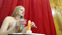 Порно с девушкой брюнеткой скрасивой попой