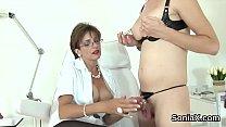 Unfaithful british mature lady sonia displays her oversized tits Vorschaubild