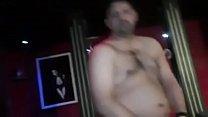 Gangbang for German prostitute hotkinkyanniella in pornokino Vorschaubild