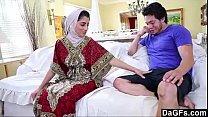 15661 Dagfs Arabic Chick Nadia Ali Tastes White-240p preview
