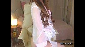 Hot korean girl shows...
