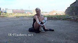 Flashing blondes outdoor masturbation...