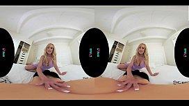 VRHUSH Brandi Love masturbating in virtual reality