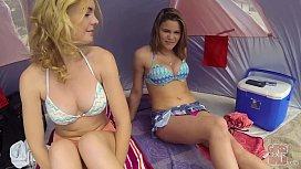 GIRLS GONE WILD - Lesbian...