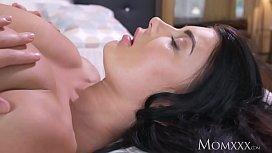 MOM Big natural tits...