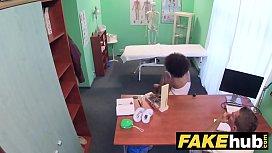 Fake Hospital Doctor gives...