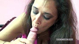 Curvy MILF Alesia Pleasure...