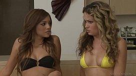 Experienced babe teaching Melanie...