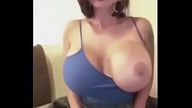 Milf s&uacute_per cachonda with big tits