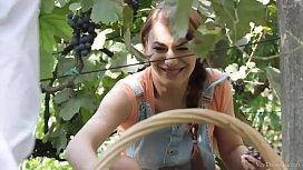 VivThomas - Vine - Hannah Sweet...