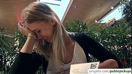 Super beautiful blonde hottie...
