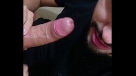 Gay safado chupando pauzudo branquelo