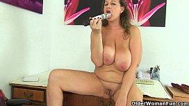 UK milf Eva Jayne...